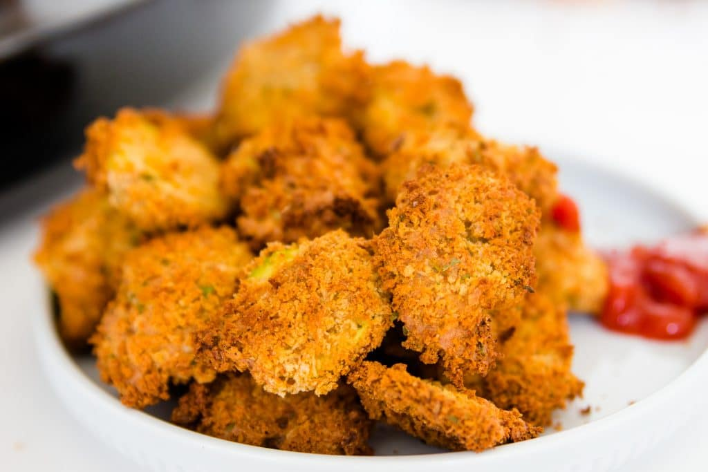 a bowl of fried pickles